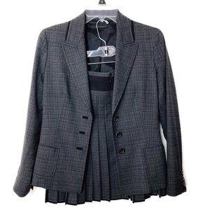 Elie Tahari school uniform type skirt suit sz 4